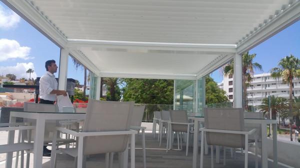 Med Twist bioclimatic pergola - Hotel Flamingo Beach Club