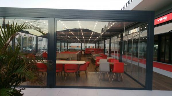 Pèrgola bioclimàtica Med Twist - Centre comercial Parque Santiago Sur 6