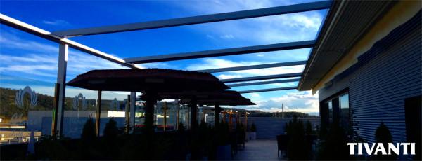 Pérgola toldo lluvia Med Quadra 165 - Centro comercial La Junquera