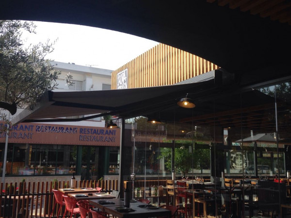 Toldo cofre Segno - Restaurante Pura Brasa